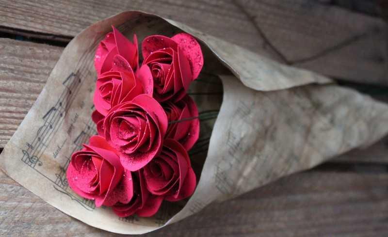 kak sdelat rozu iz bumagi 110