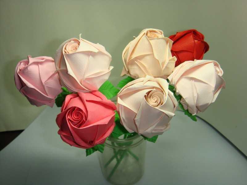 kak sdelat rozu iz bumagi 18